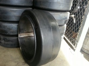 Smooth tire